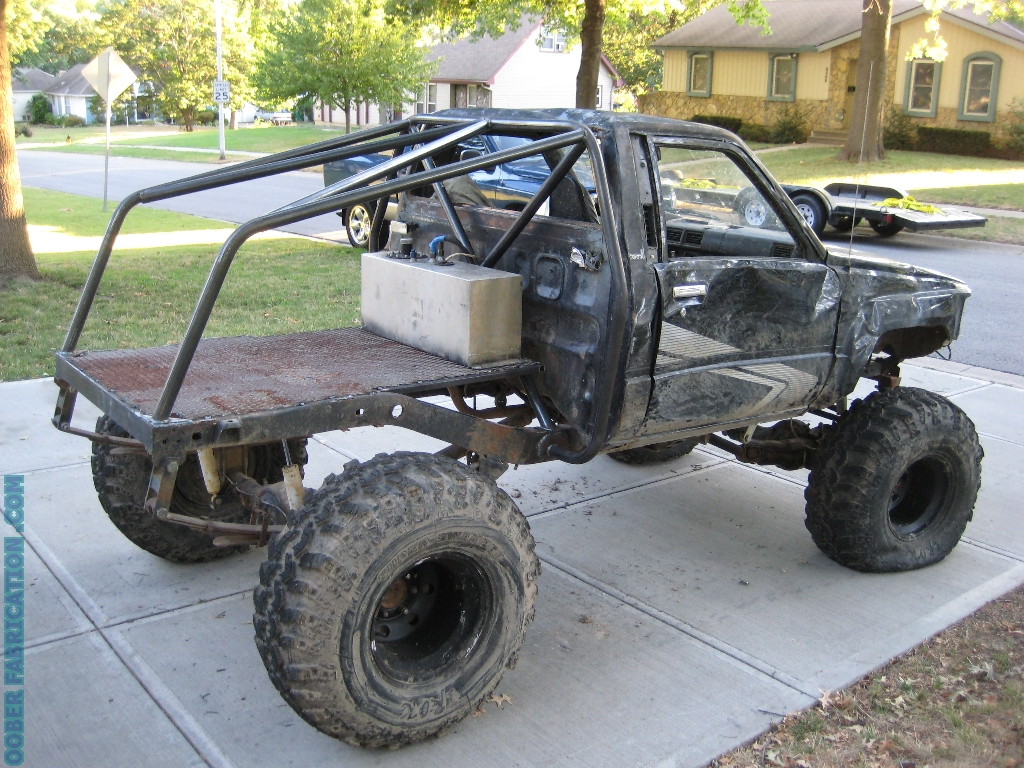 TOYOTA TRUCK REAR ROLL CAGE – DIY METAL FABRICATION .com